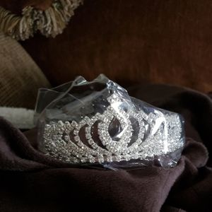 NEW Silver Tiara Pageant Wedding Bridal